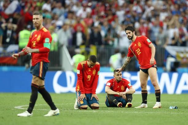 Bị loại, Tây Ban Nha và Ramos vẫn kịp lập kỷ lục - Bóng Đá