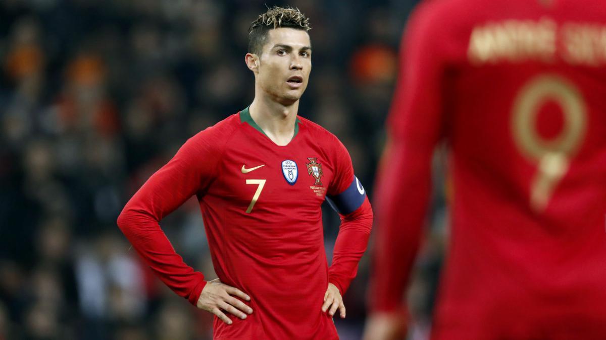Bồ Đào Nha triệu tập đội hình: Không có Ronaldo! - Bóng Đá