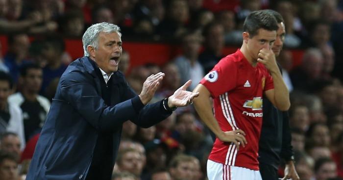 Mourinho chỉ ra 2 cầu thủ Man Utd khiến ông 'xé ruột gan' cho dự bị - Bóng Đá