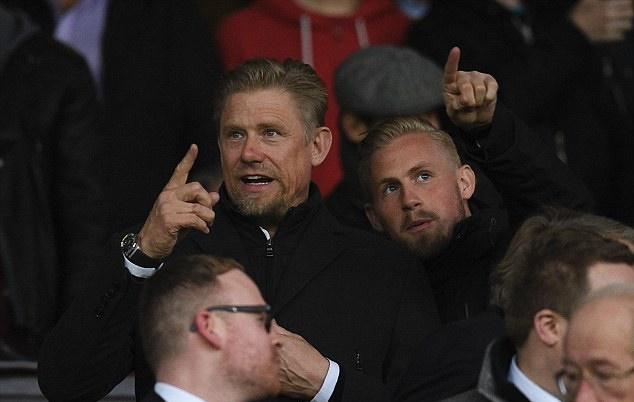 Schmeichel tin tưởng vào Mourinho.