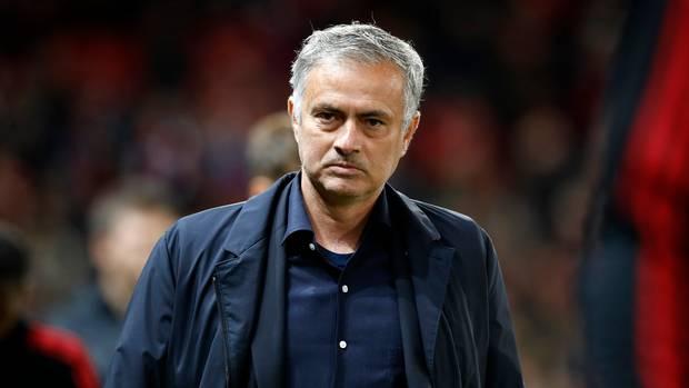 Triều đại của Jose Mourinho ở Man Utd: Danh hiệu nhỏ giọt, tiêu tốn kỷ lục - Bóng Đá