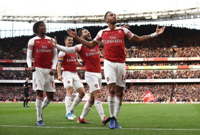Arsenal striker Pierre-Emerick Aubameyang issues warning to Manchester United ahead of Old Trafford clash - Bóng Đá
