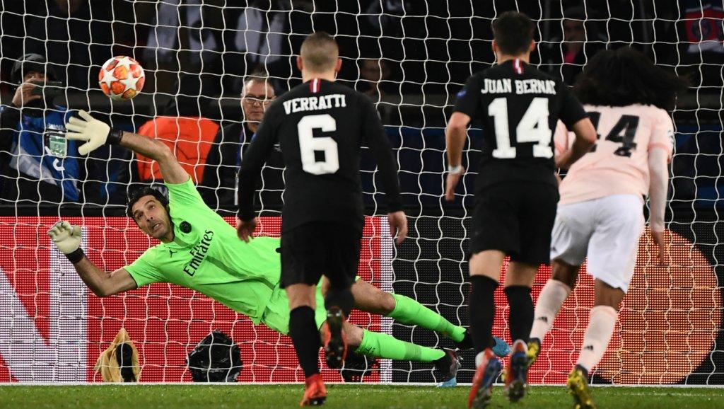 Cầu thủ PSG bật khóc ngay trước khi Rashford sút tung lưới Buffon - Bóng Đá