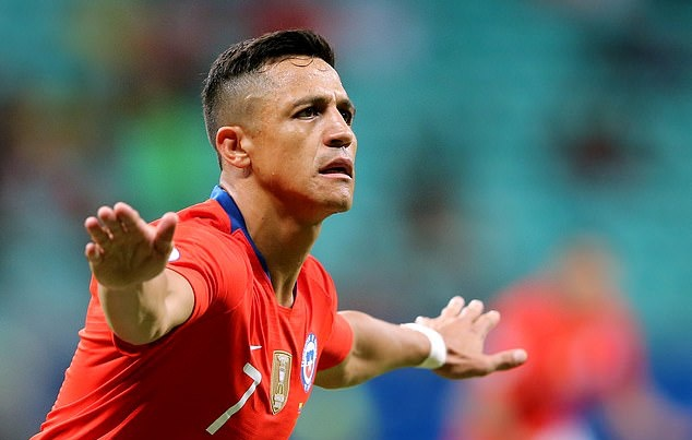 'When I play for my country, I'm always happy': Sanchez fires Chile to Copa quarters - Bóng Đá