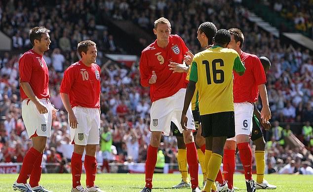 Tạm biệt 'sếu vườn' Peter Crouch - cầu thủ trăm năm có một của Premier League - Bóng Đá