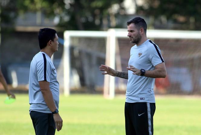 HLV Indonesia chỉ ra cầu thủ đáng ngại nhất của Việt Nam - Bóng Đá