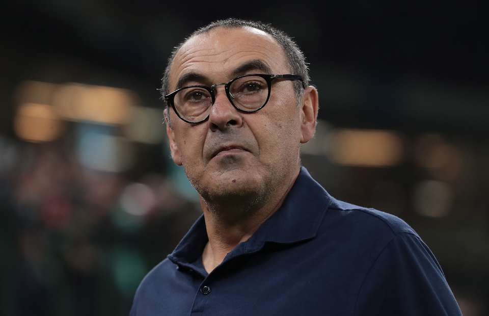 Juventus take special measures to protect regular smoker Maurizio Sarri from coronavirus - Bóng Đá