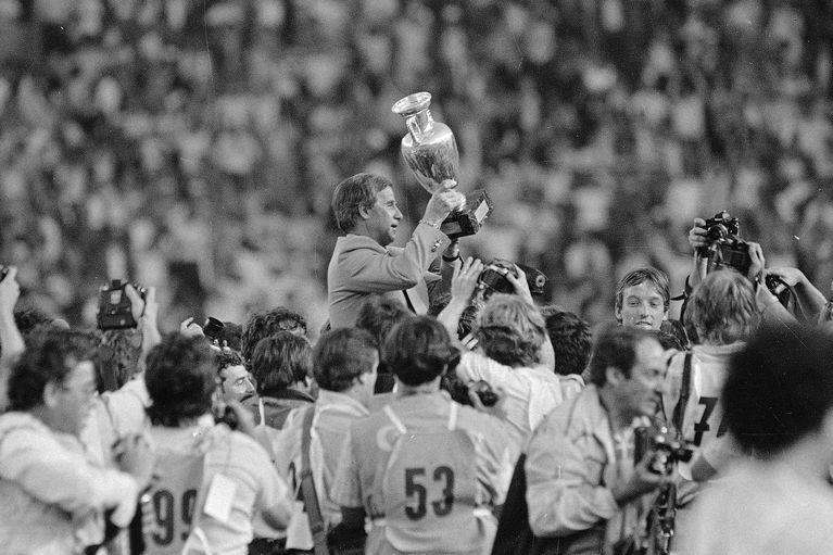 HLV vô địch EURO 1984 cùng tuyển Pháp qua đời - Bóng Đá