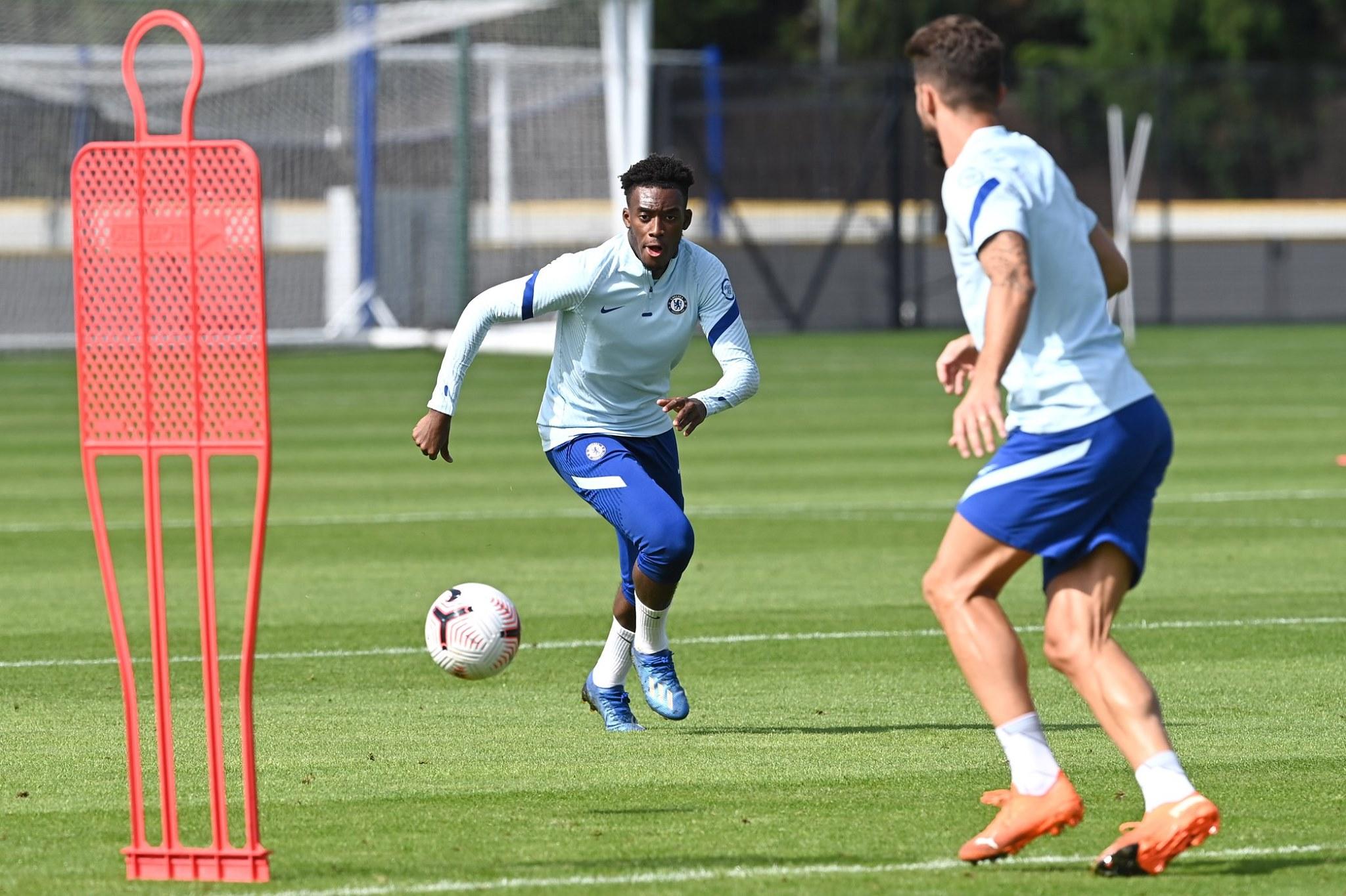 Tân binh dứt điểm sắc bén, Chelsea sẵn sàng gieo rắc sợ hãi lên Premier League