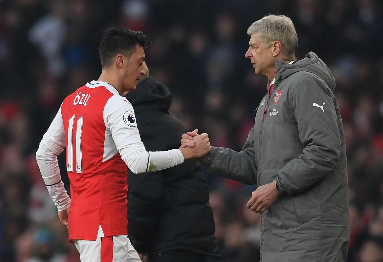Vì 1 cái tên, Arsenal đang lặp lại sai lầm tương tự với Mesut Ozil - Bóng Đá