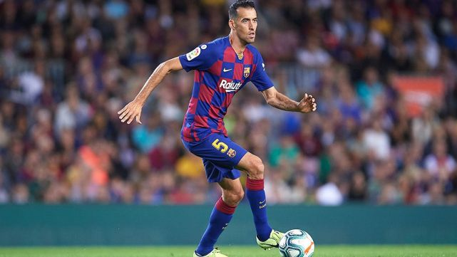 86 percent of fans believe Busquets should be dropped from the starting XI. - Bóng Đá