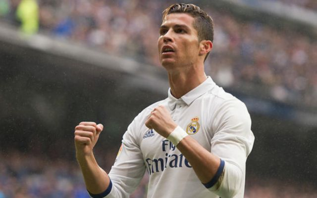 Cristiano Ronaldo's transfer options narrowing as Real Madrid distance themselves from a return for Juventus star - Bóng Đá