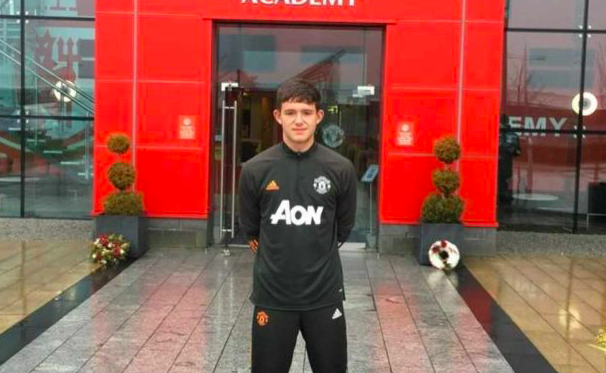 Youngster Tom Wooster appears to have signed for Manchester United - Bóng Đá