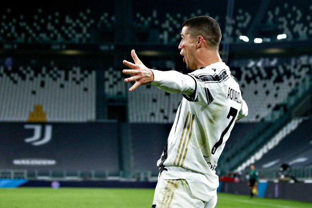 Cristiano Ronaldo equals Messi Champions League record - Bóng Đá