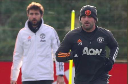 Shaw back on training - Bóng Đá