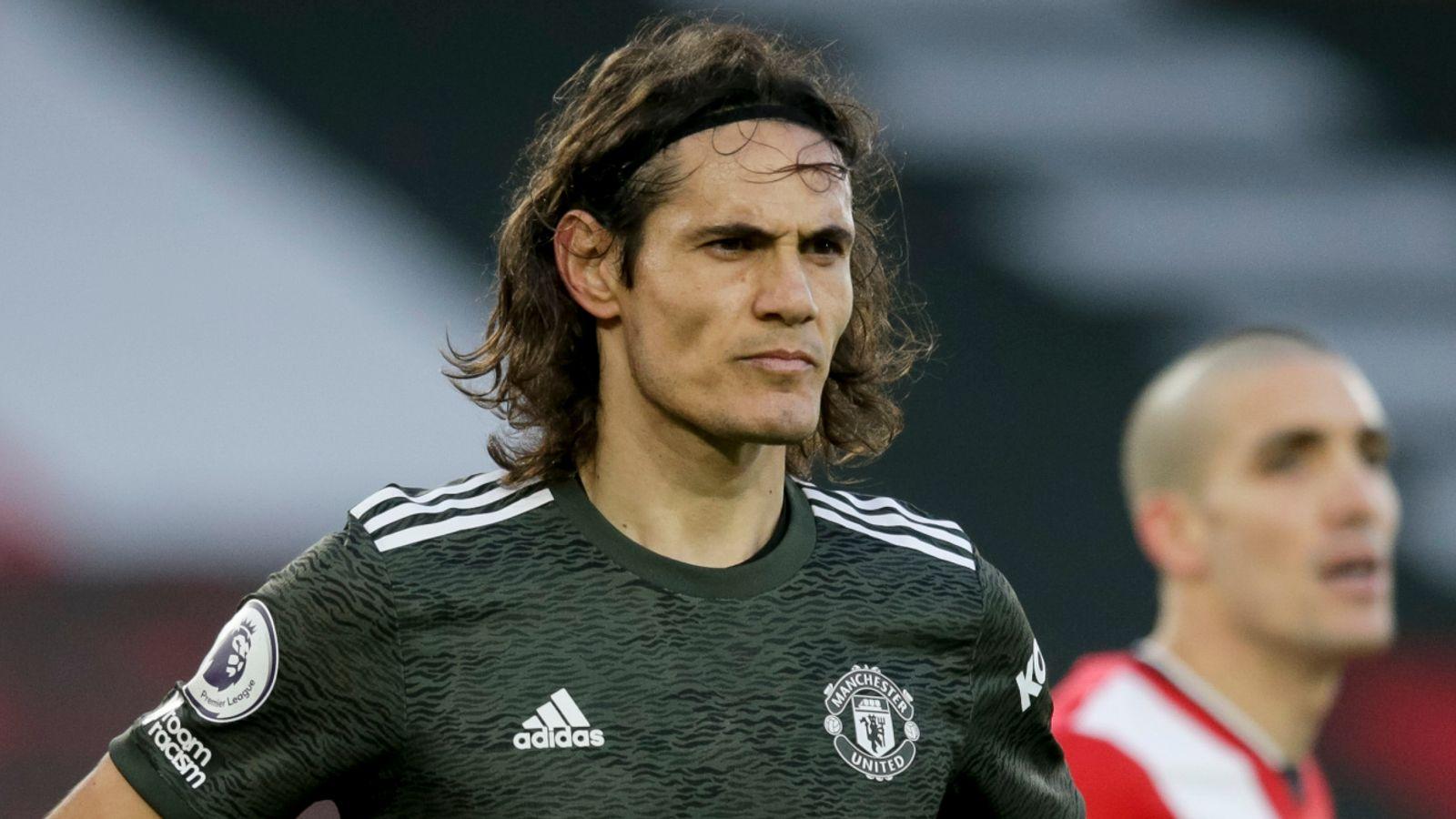 FA investigate Cavani's post - Bóng Đá