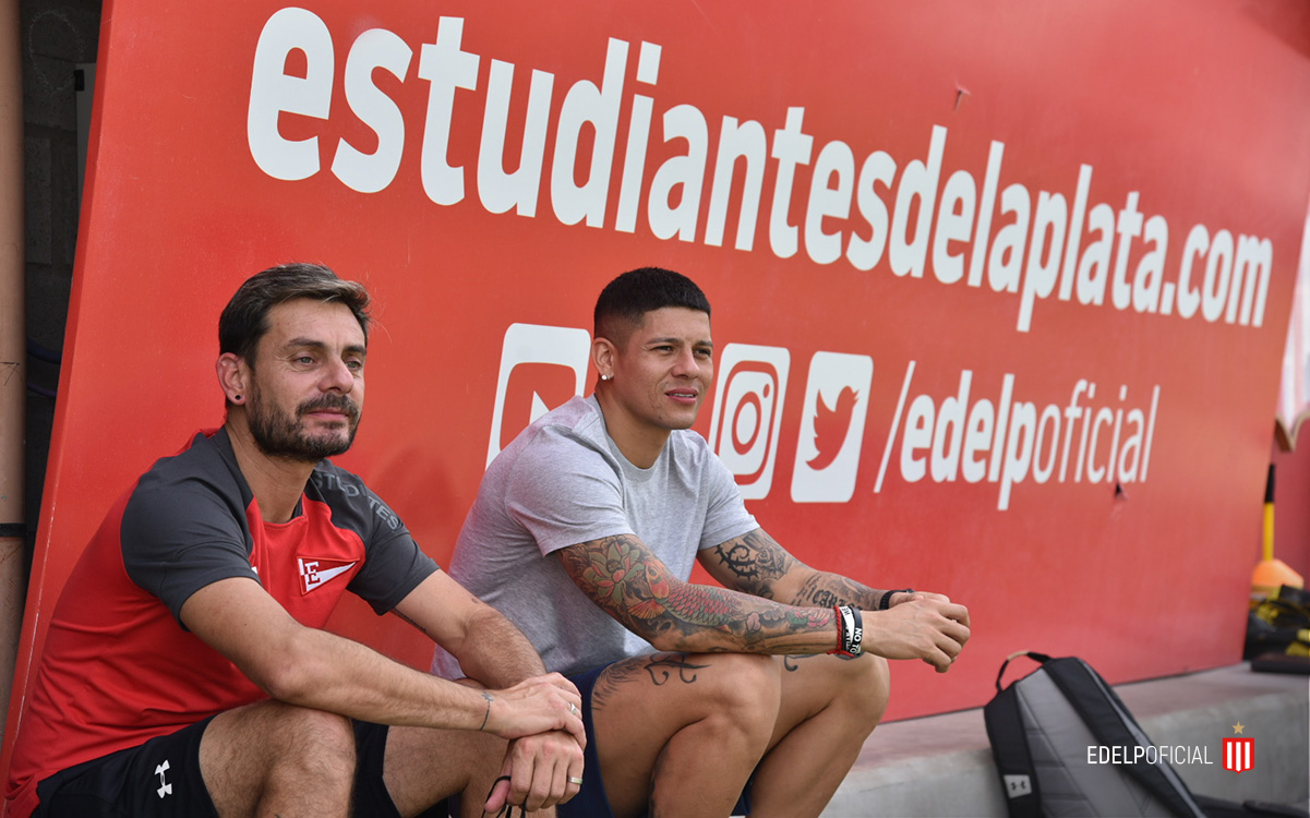 Manchester United player spotted watching training at another club - Marcos Rojo - Bóng Đá