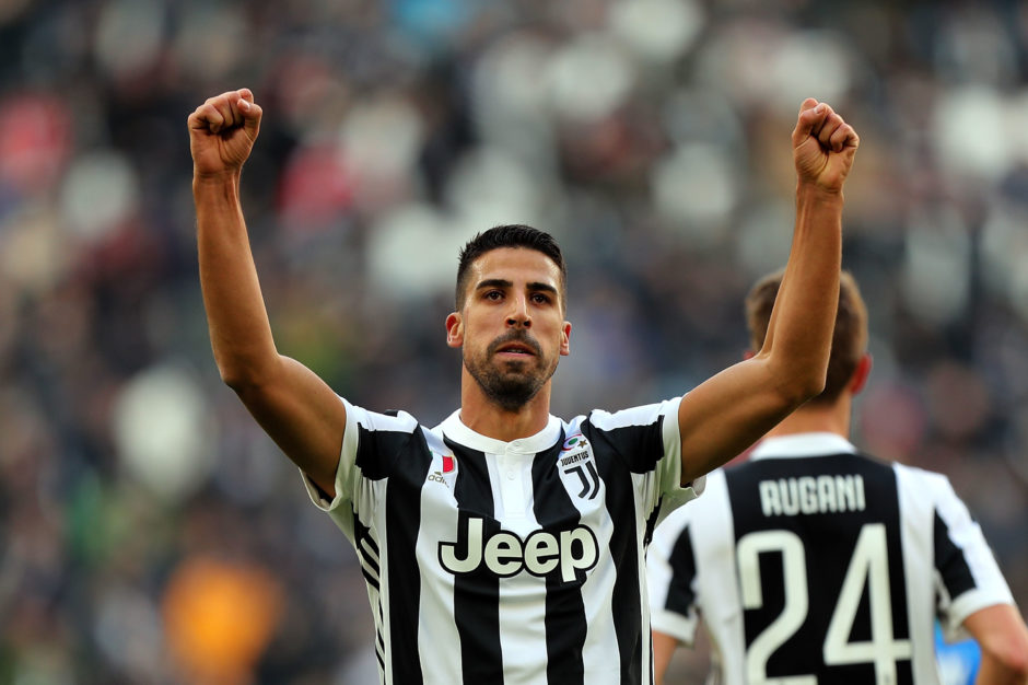 Juventus star to Premier League hint dropped by former Milan manager - Bóng Đá
