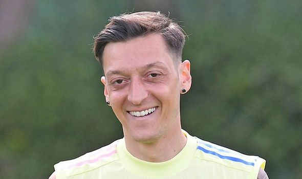 Arsenal boss Mikel Arteta's stance on recalling Mesut Ozil explained ahead of Chelsea game - Bóng Đá