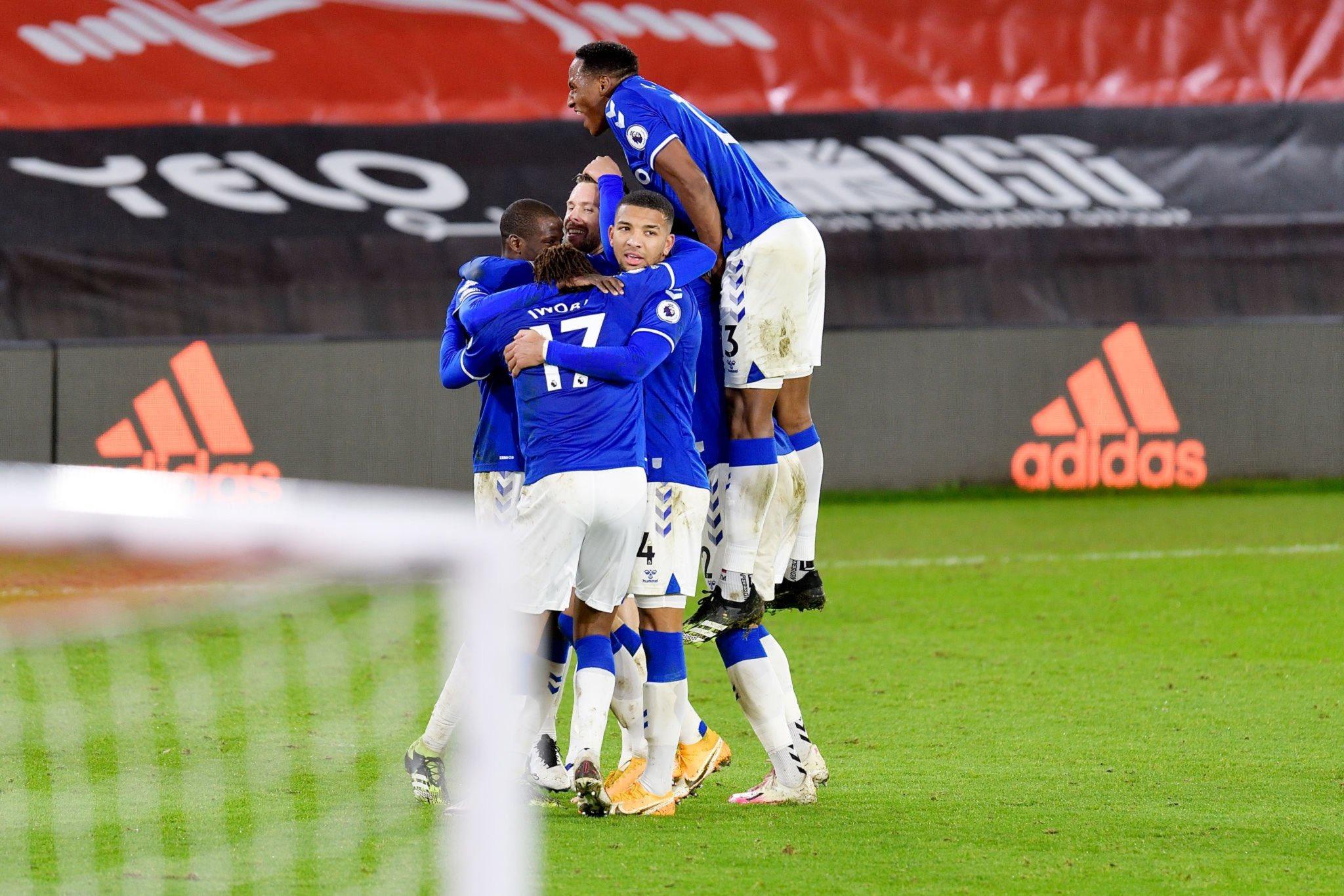 Everton climb to 2nd position - Bóng Đá