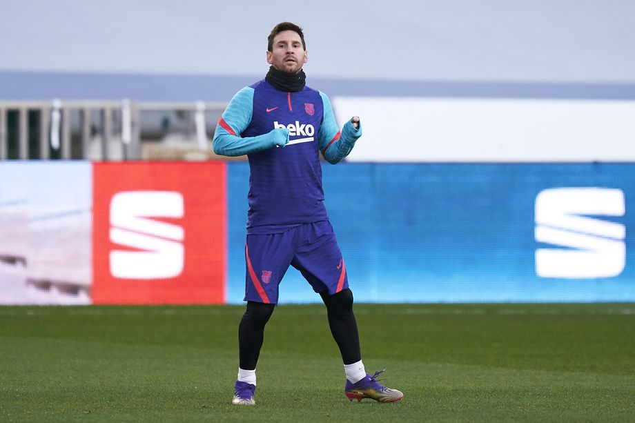 Barcelona train without Lionel Messi ahead of Spanish Super Cup final - Bóng Đá