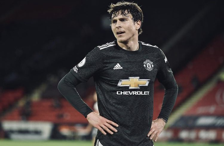 Why lindelof starts ahead of bailly? - Bóng Đá