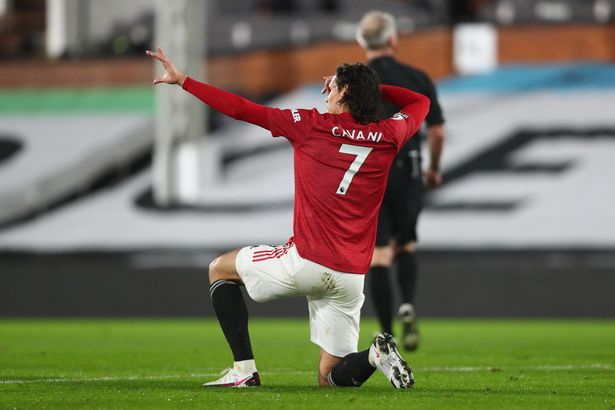 Man Utd star Edinson Cavani offers definitive story behind his trademark celebration - Bóng Đá