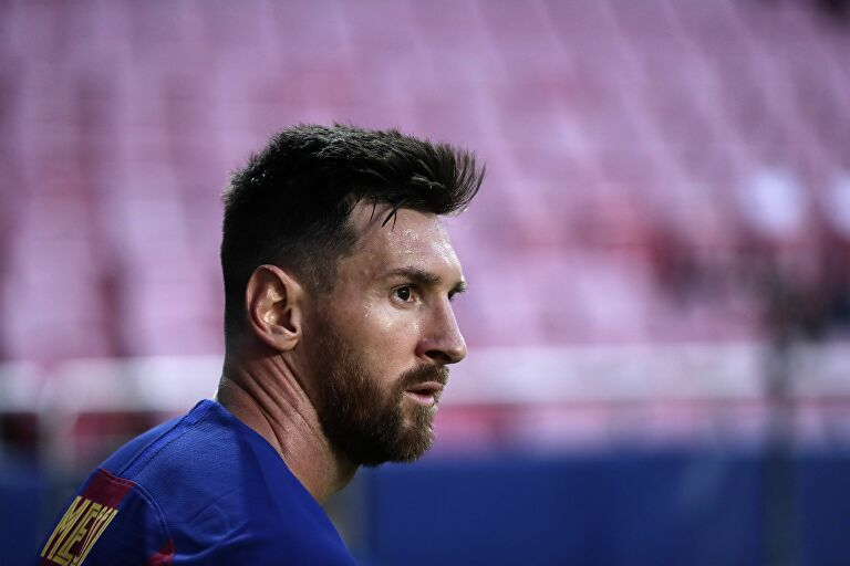 Messi is 'Closer' to Staying at Barcelona, Report Says - Bóng Đá