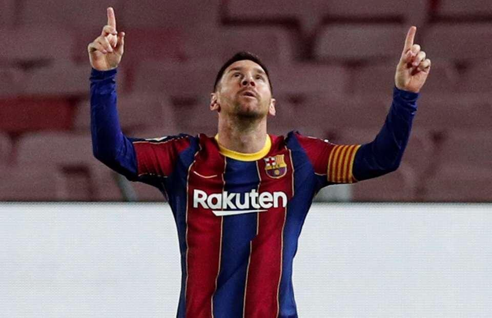 Messi sút phạt thế nào khi so với Beckham hay Ronaldinho? - Bóng Đá