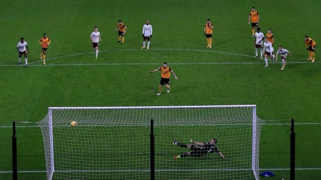 Cú đánh đầu chuẩn mực của Cavani, hàng thủ Liverpool chết lặng và những hình ảnh ấn tượng nhất - Bóng Đá