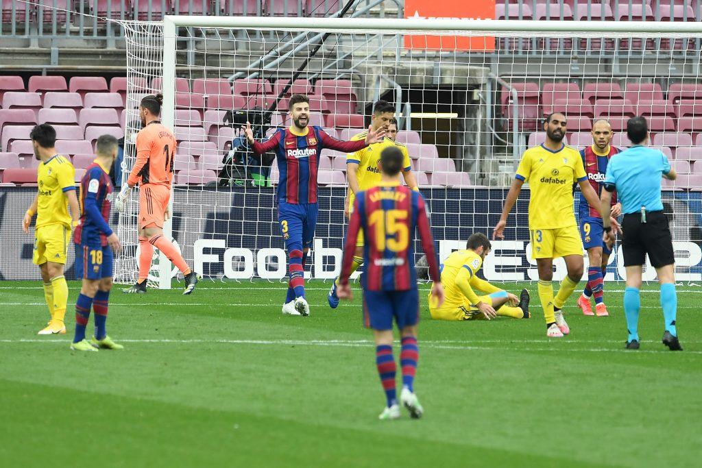 Pique breaks down the problems leading to the draw against Cadiz - Bóng Đá