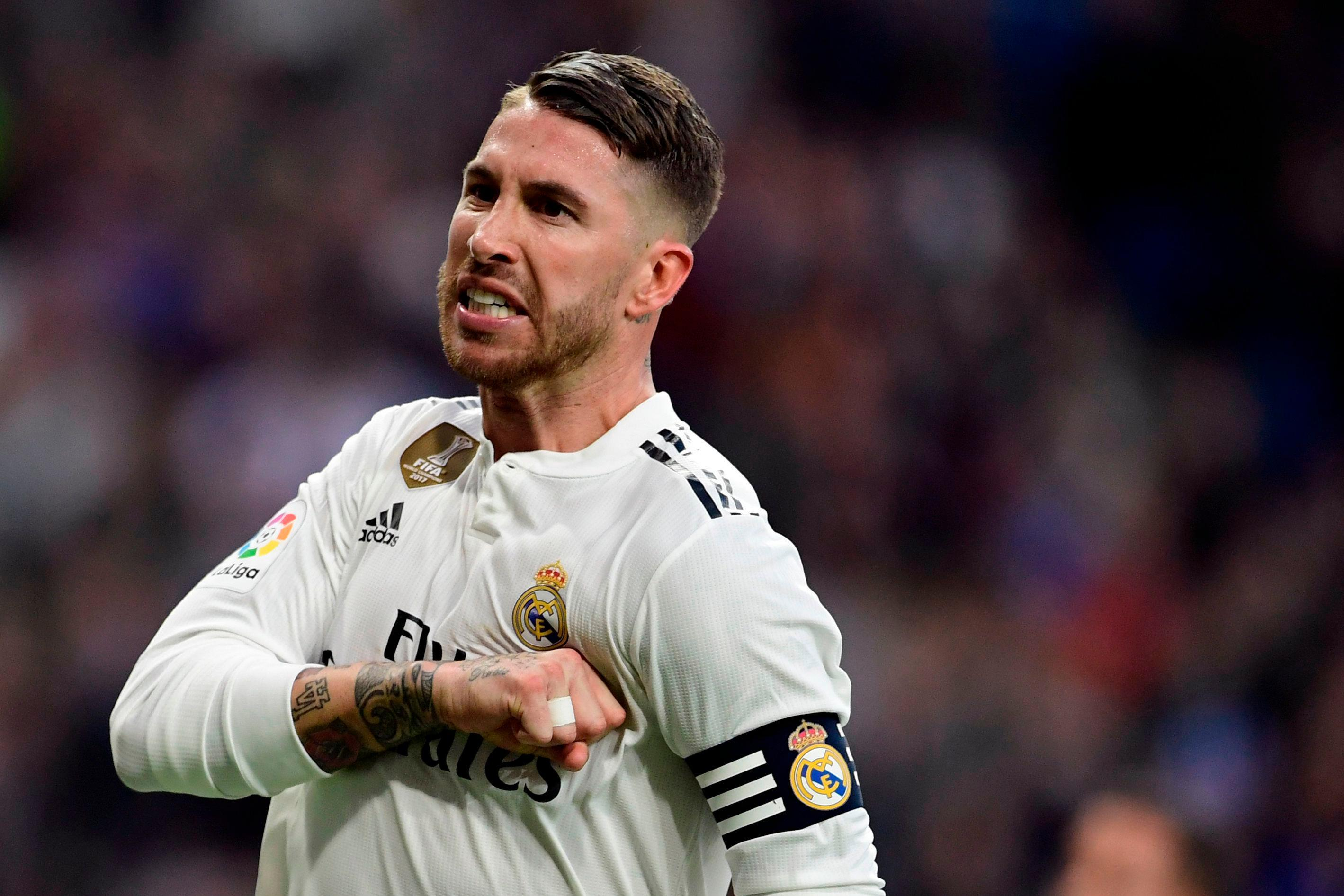 Florentino Perez is continuing contract extension talks with Los Blancos skipper Sergio Ramos. - Bóng Đá