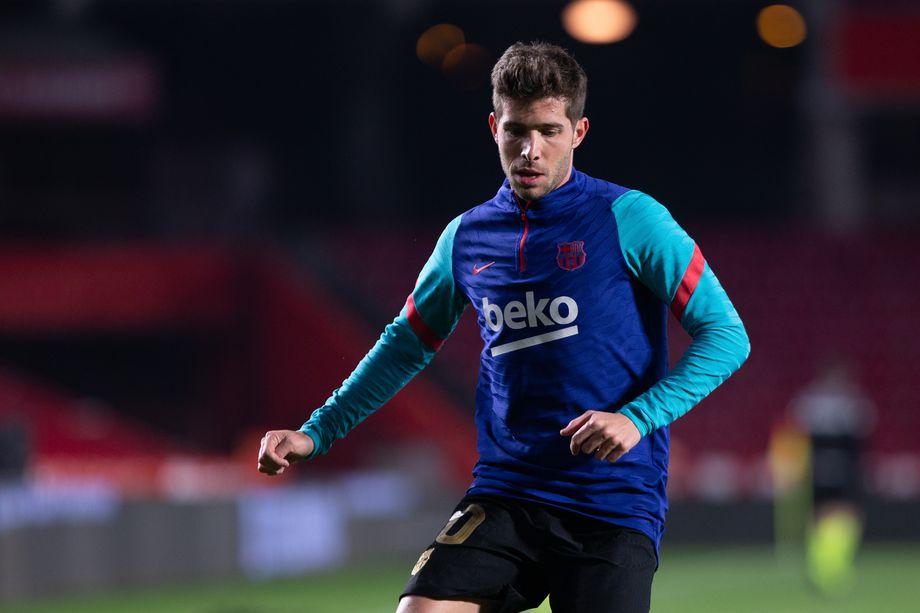 Sergi Roberto returns to Barcelona training - Bóng Đá