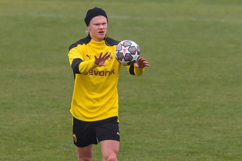 Erling Haaland hiện diện trên sân tập của Man Utd - Bóng Đá