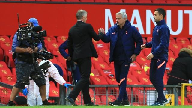 Đá đểu Solskjaer, Mourinho dùng Sir Alex để nhắc nhở M.U - Bóng Đá