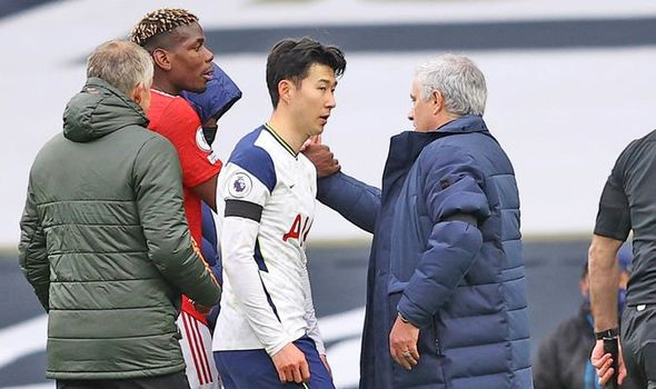 What Manchester United star Paul Pogba did to Jose Mourinho after Tottenham win - Bóng Đá