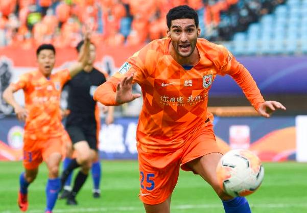 Marouane Fellaini returns to Premier League - Bóng Đá