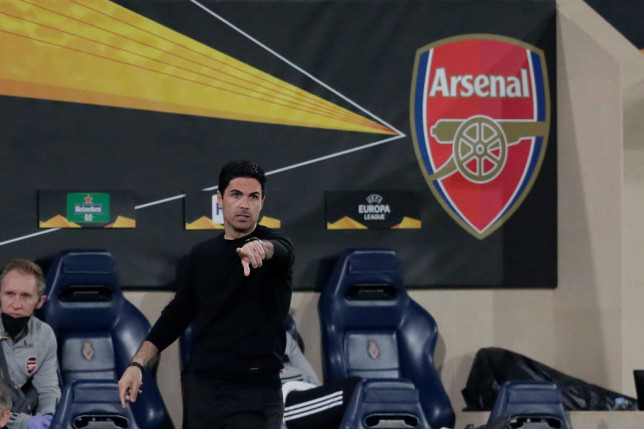 Martin Keown feared for Mikel Arteta during Arsenal's Europa League defeat to Villarreal - Bóng Đá