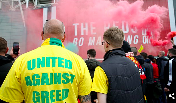 Manchester United could face a points deduction after fans forced the postponement of their Premier League fixture with Liverpool. - Bóng Đá