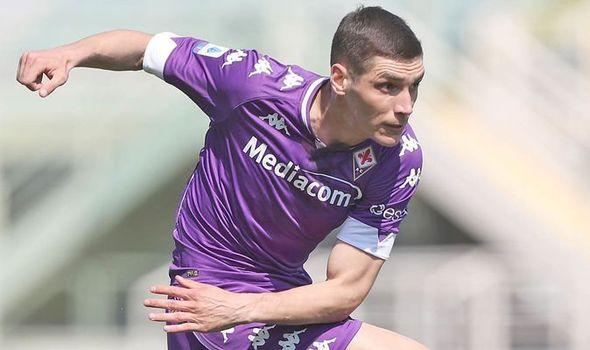 Man Utd 'given Nikola Milenkovic price by Fiorentina' ahead of summer transfer window - Bóng Đá