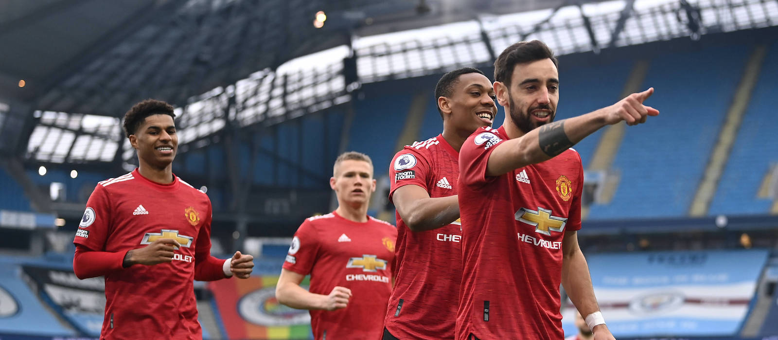 Manchester United planning to double Bruno Fernandes' wages this summer - Bóng Đá