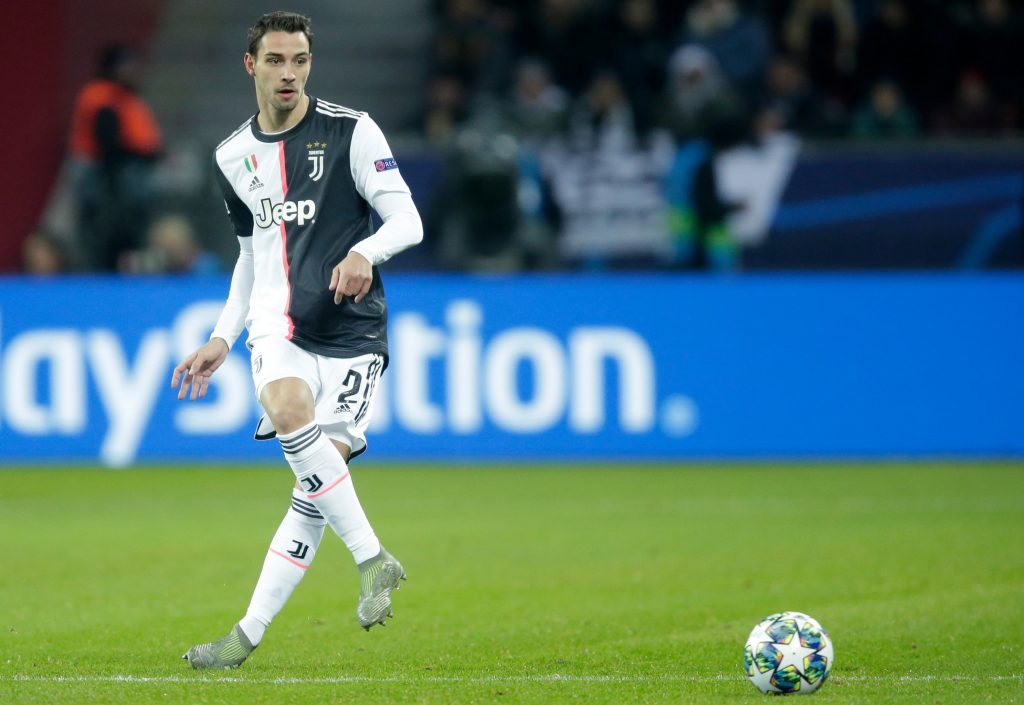 Lyon defender Mattia De Sciglio admits he is fascinated by Chelsea - Bóng Đá
