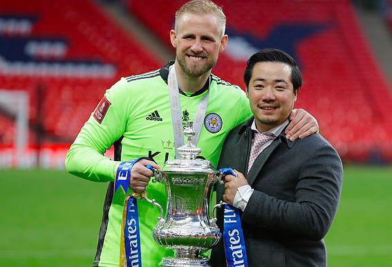 Chủ tịch và cầu thủ Leicester City đồng loạt bật khóc khi làm nên lịch sử - Bóng Đá