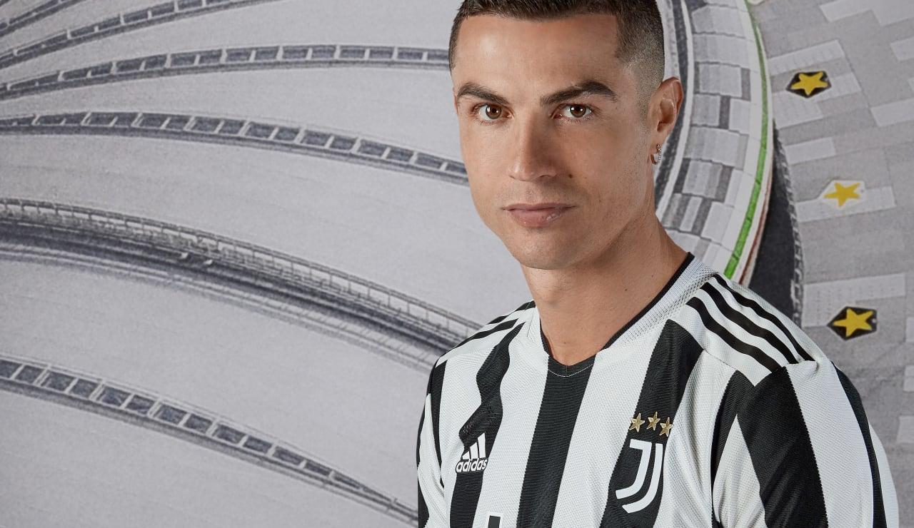 Giữa tin đồn ra đi, Ronaldo coi như đã chốt tương lai ở Juve? - Bóng Đá