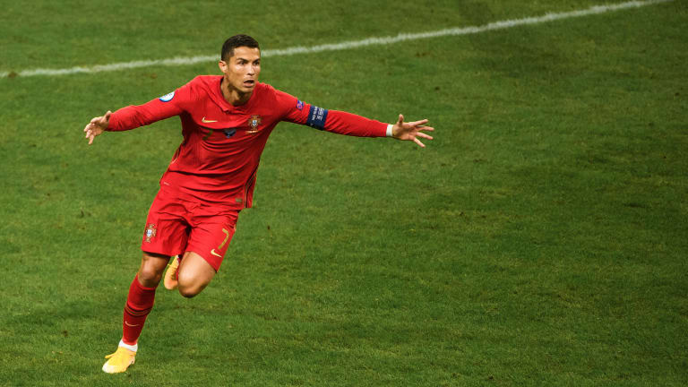 Ronaldo to lead Portugal's Euro defence as holders announce squad - Bóng Đá