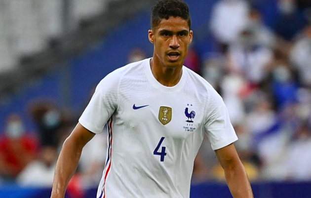 Real Madrid 'lower Raphael Varane asking price' amid Manchester United interest and more transfer rumours - Bóng Đá