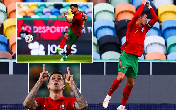 Ronaldo tiến sát kỷ lục nhưng lu mờ trước Fernandes - Bóng Đá