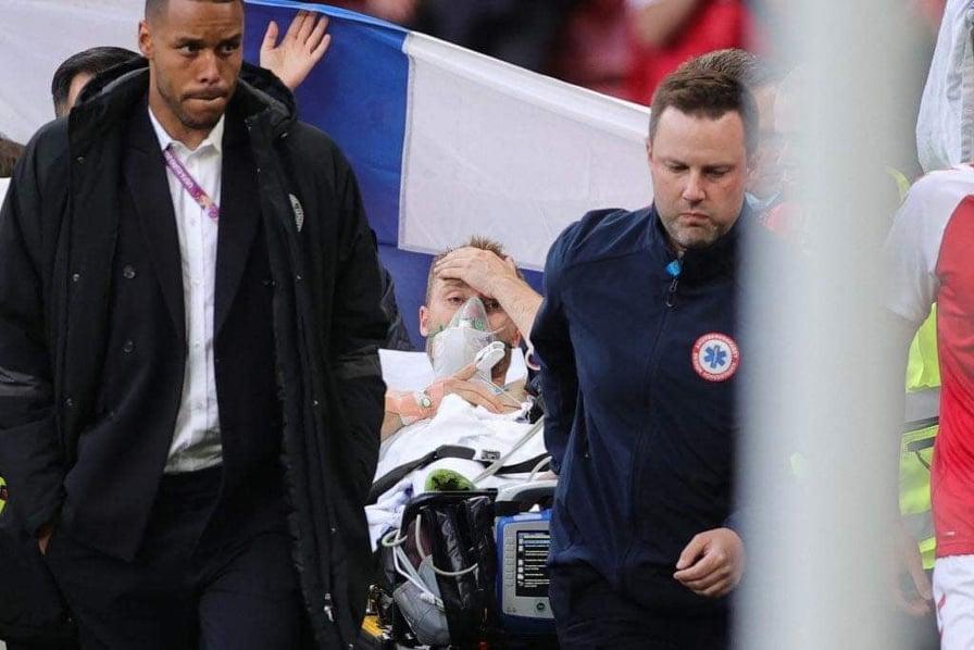 Eriksen nguy kịch, cầu thủ 2 đội bật khóc nức nở - Bóng Đá
