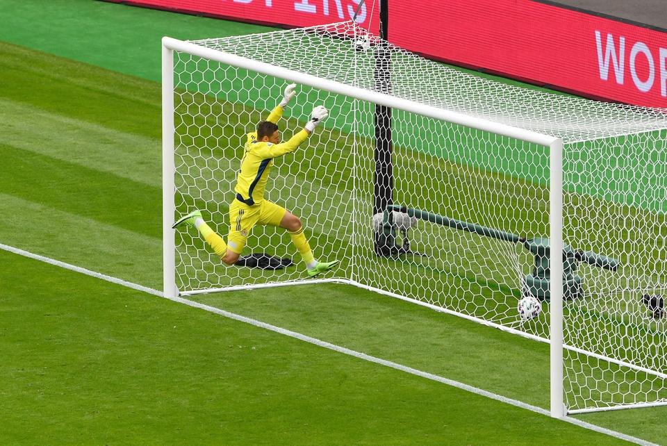 10 kỷ lục mới xuất hiện sau vòng bảng EURO 2020: Lại là Ronaldo! - Bóng Đá