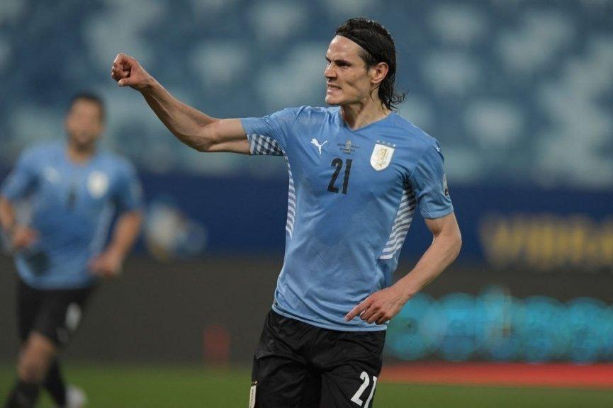 Sát thủ M.U lên tiếng, Uruguay có chiến thắng đầu tay - Bóng Đá